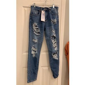 Forever 21 NWT boyfriend jeans. Size 24